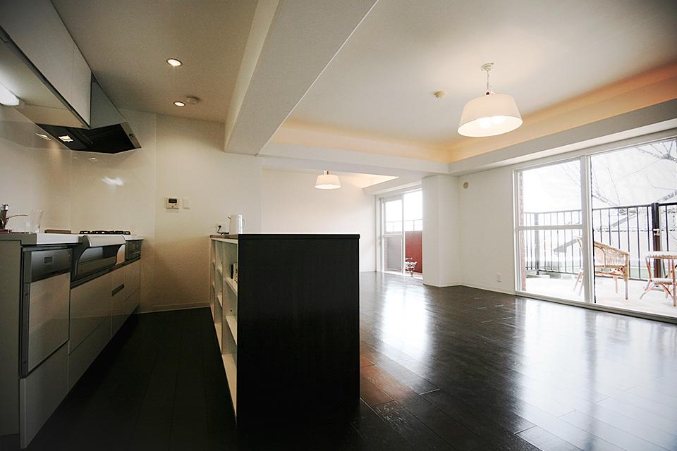 山の手のシンプルmodanな家/神戸市東灘区